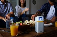 Beamer To Go - der Mini-LED-Projektor GV1 von BenQ