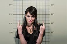Eiskalt und kompromisslos – Ma-Ma (Lena Headey) vor ihrer Karriere als Drogenbaronin