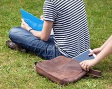 Unverzichtbare Alltagsbegleiter: So sind Smartphone, Tablet & Co. sicher