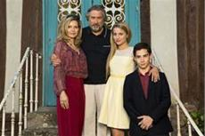 """Amerikaner in Frankreich"""" und 3 neue Clips zu MALAVITA - The Family (Kinostart: 21.11.)"""